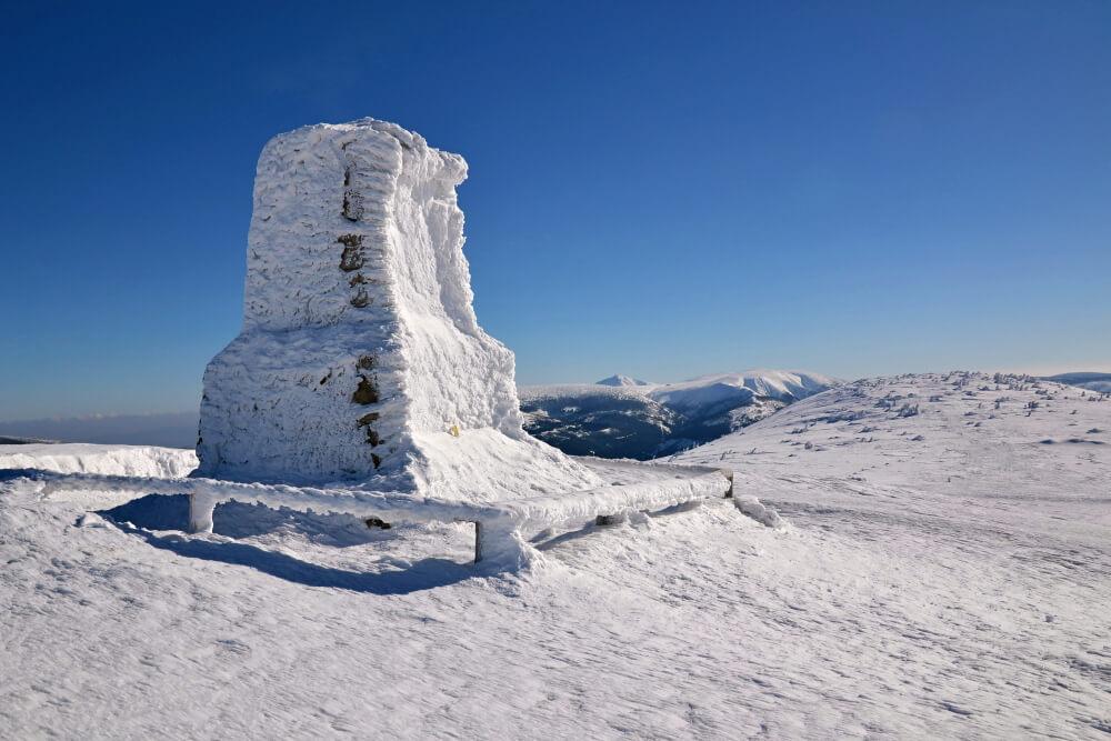 Vrbatovo návrší (1412 m) – na skialpech za výhledy na jeden z krkonošských hřebenů